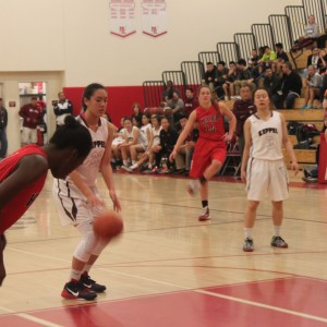 Girls' basketball defeat Hart, 62-39, to advance to 2nd round of CIF State Tournament