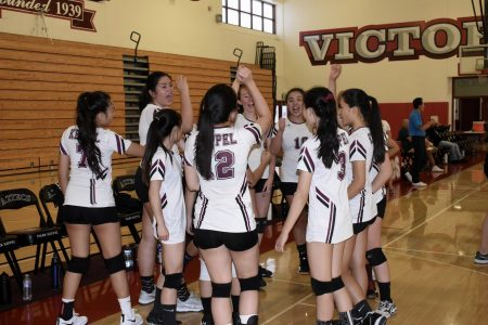 Girls' Volleyball remains hopeful after defeat at first league game against Schurr